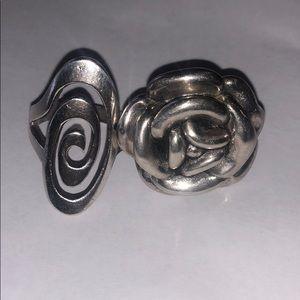 2 925 Platinum rings